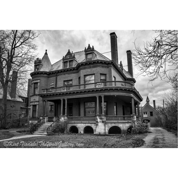 Heritage Hill Mansion In Black And White